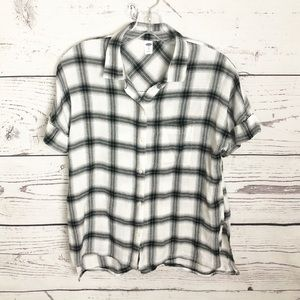 Black and white plaid short sleeved shirt
